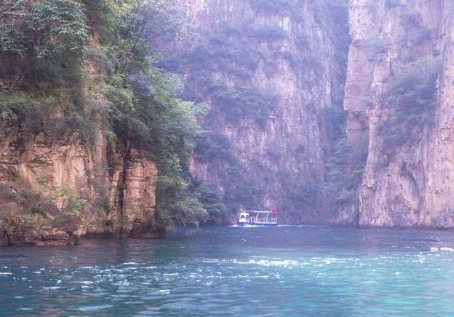 """这个大峡谷里竟还有一个""""九寨沟"""" 让人惊叹!"""