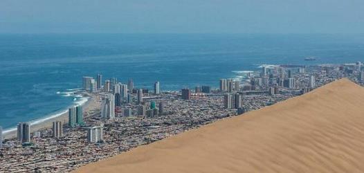 一座被荒漠覆盖的海港城市,400年未降雨